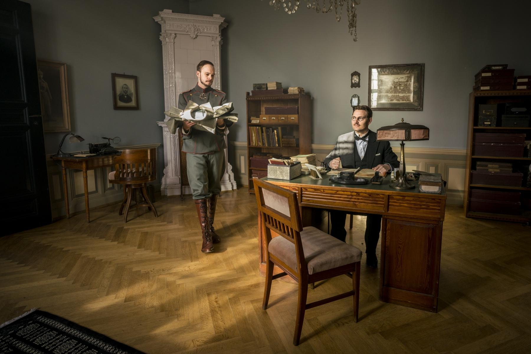 © Steffen Jensen   I krig og kærlighed