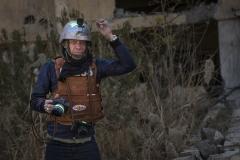 Foto: Steffen Jensen | Den danske krigsfotograf Jan Grarup i Mosul under krigen imod Islamisk Stat. Vi hjalp hinanden ved at deles om biler chauffører assistenter m.m.