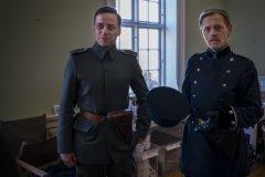 Foto: Steffen Jensen | Den tyske skuespiller Tom Wlaschiha og danske Thure Lindhardt under optagelserne til I Krig og Kærlighed.