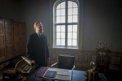 Foto: Steffen Jensen | Jeg ved ikke om det kvalificerer til et portræt men billedet af skuespilleren Ulrik Thomsen er taget under optagelserne til filmen I Krig og Kærlighed.